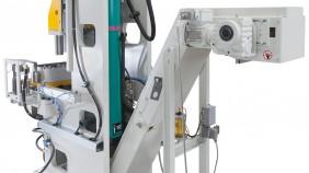 Pneumatische Sonderentgratanlage mit Schiebetisch